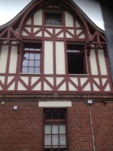 reno façade colombage et fenêtre